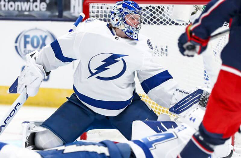 How To Bet - Lightning vs Blackhawks Picks: Bolts Too Electric