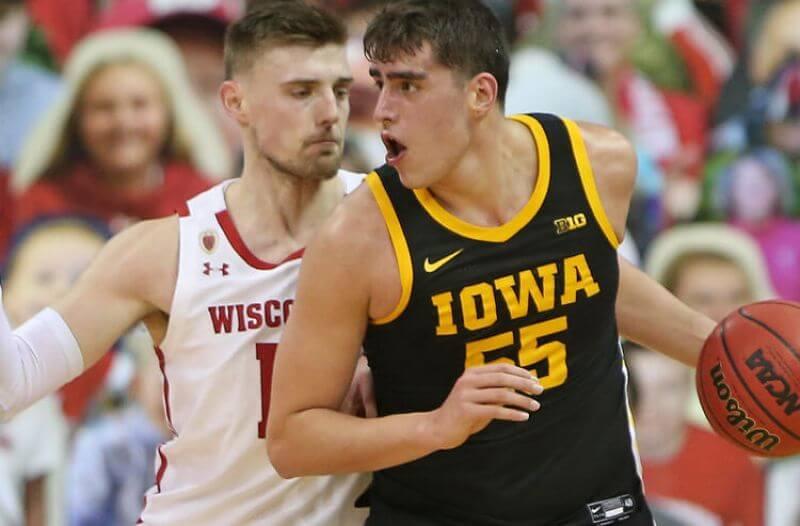 Luka Garza Iowa Hawkeyes college basketball