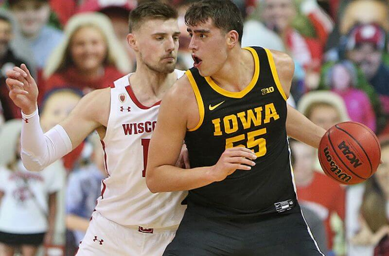 Wisconsin vs Iowa Picks: Hawkeyes Aim to Lock Up No. 3 Spot