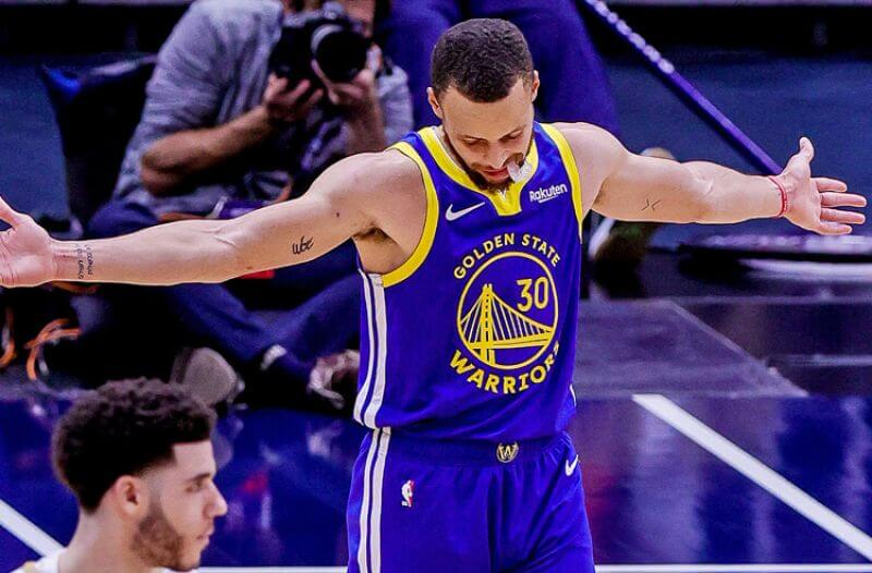 How To Bet - Warriors vs Pelicans Picks: Curry a Threat to Go Off Again