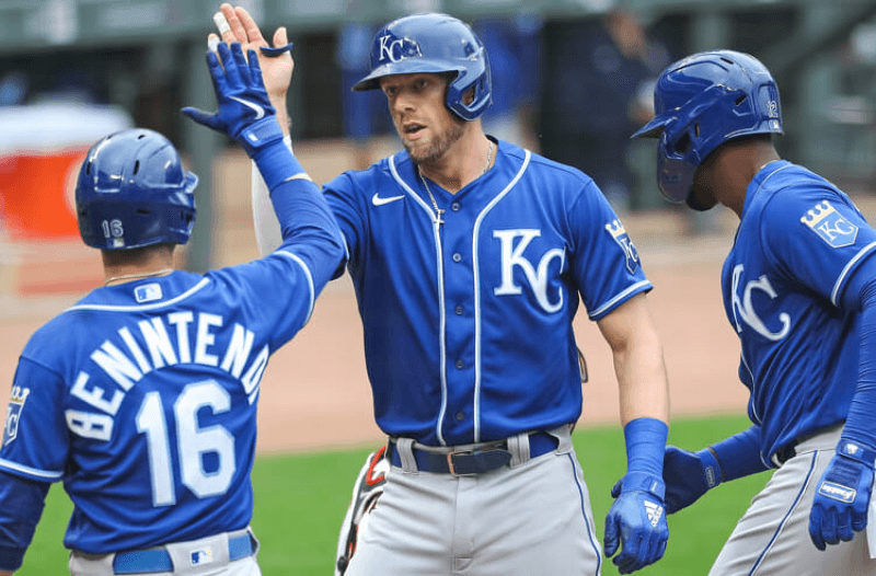 2021 World Series Odds: Long-Shot Royals on Rise, Dodgers Solid Favorites