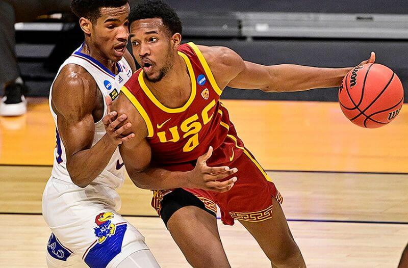 How To Bet - Oregon vs USC Sweet 16 Picks: USC's Size Too Much For Ducks