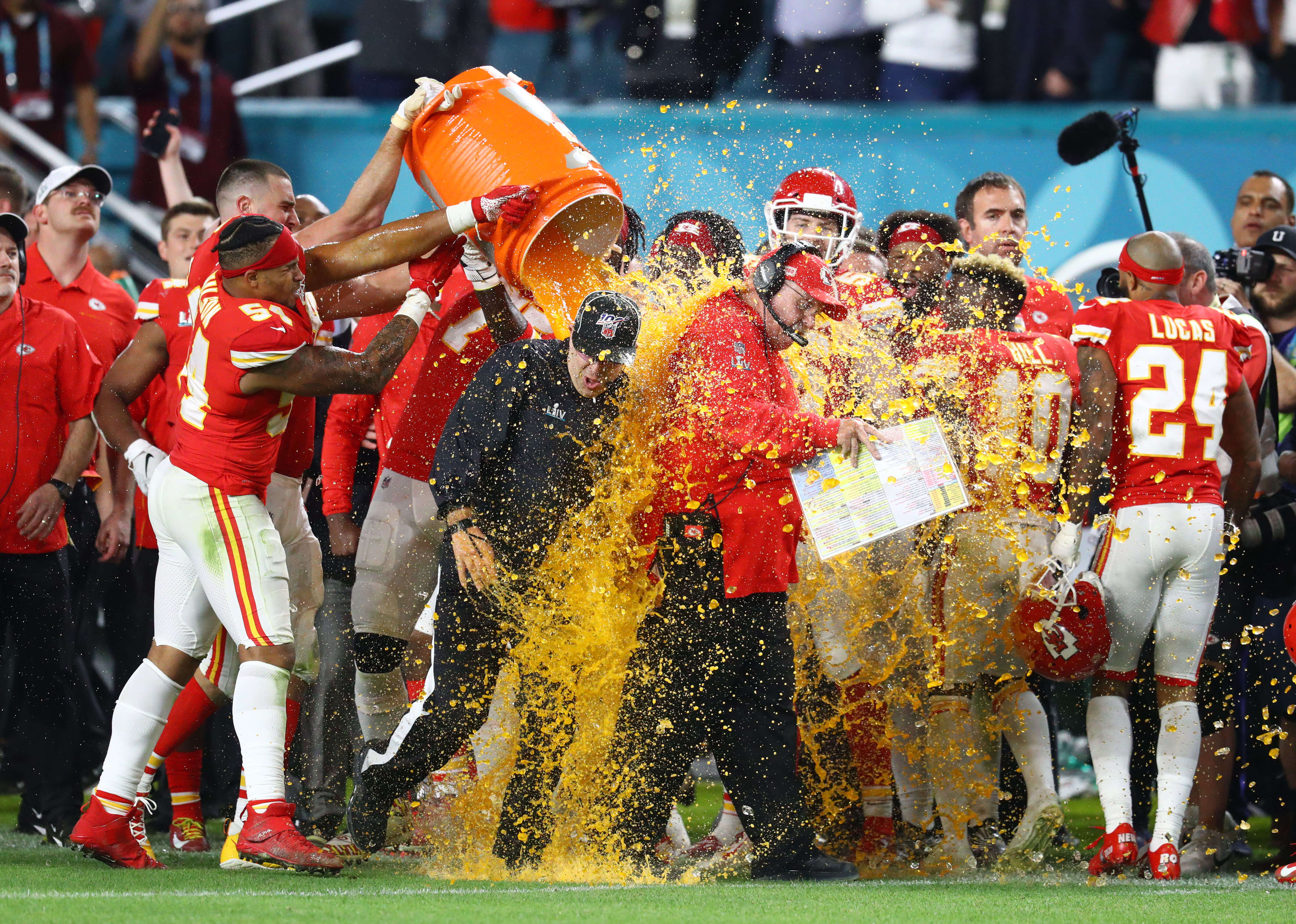 How To Bet - The ultimate guide to betting on the color of the Gatorade bath
