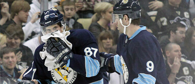 Penguins' Crosby has broken jaw; out indefinitely