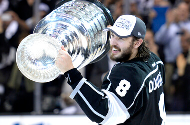 Find out who the fave is to win the 2014-15 Stanley Cup