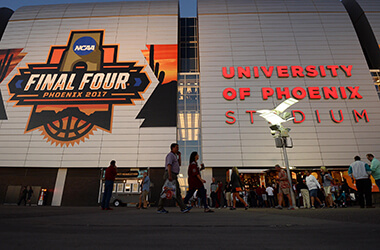Betting action is heavy and split in Las Vegas for National Championship Game