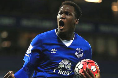 Everton looks to end drought versus rivals Liverpool