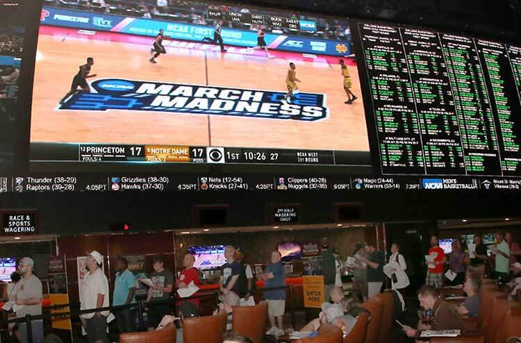 Survival guide for enjoying the first weekend of March Madness in Las Vegas