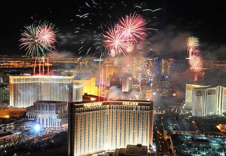 What's Hot In Las Vegas: Fireworks aren't the only must-see show in July