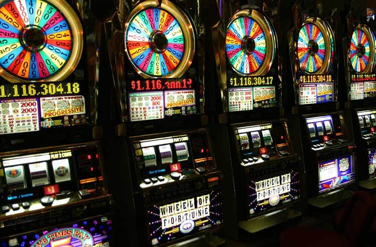 More than ever, Casino gamblers in Las Vegas and beyond are chasing big jackpots