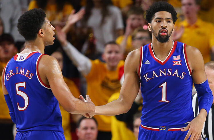 Kansas looks to reverse fortunes of backers, and this weekend's NCAA basketball odds and analysis