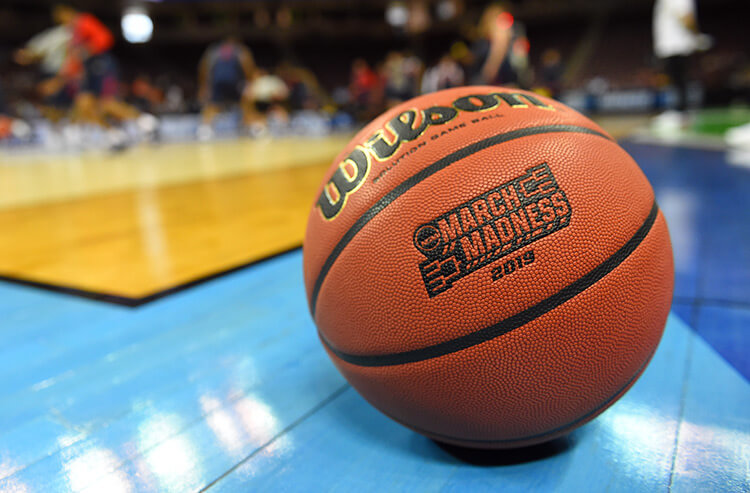Thursday's odds and best bets for March Madness Round 1