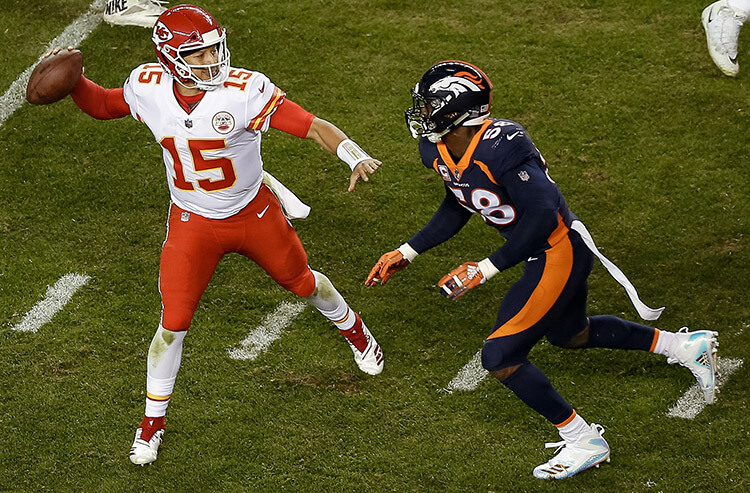 NFL Thursday night odds and line moves: Pros on Broncos, Joes on Chiefs in AFC West clash