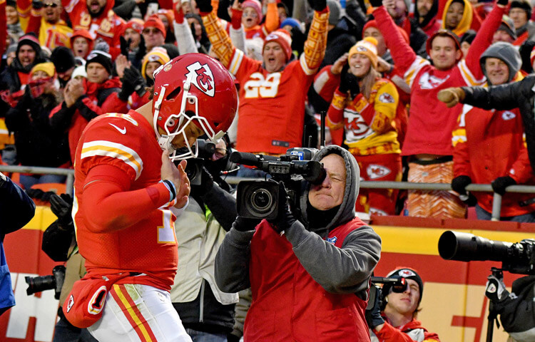 Bet Now/Bet Later NFL Week 14 odds: Chase the Chiefs before this big line move