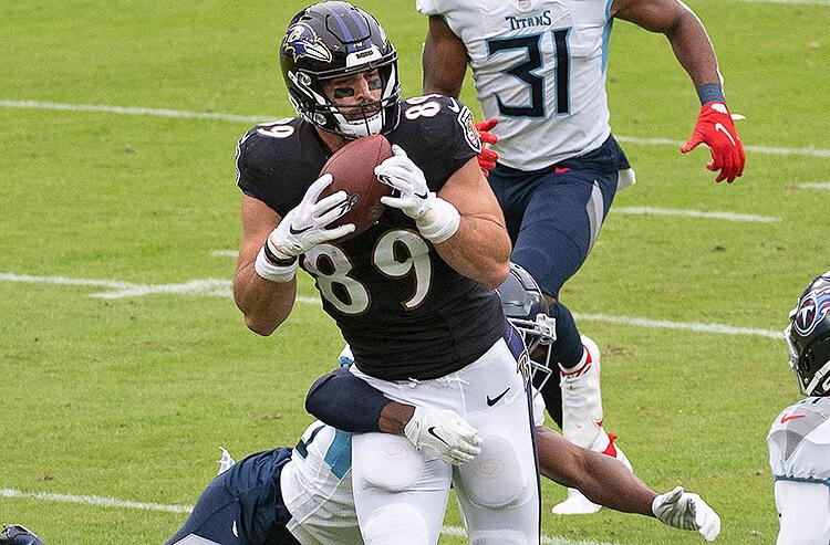 NFL Week 12 Injuries, Weather, Consensus, Pros vs Joes & More