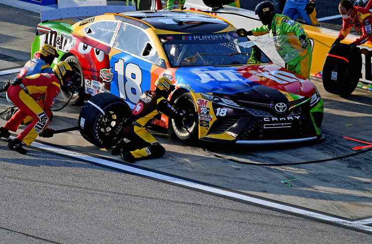 How To Bet - NASCAR odds, predictions: Autotrader EchoPark Automotive 500