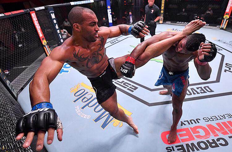 UFC Fight Night odds: Smith vs Clark now Nov 28 main event