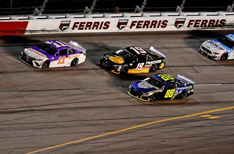 How To Bet - NASCAR Hollywood Casino 400 odds: Hamlin Leads Again