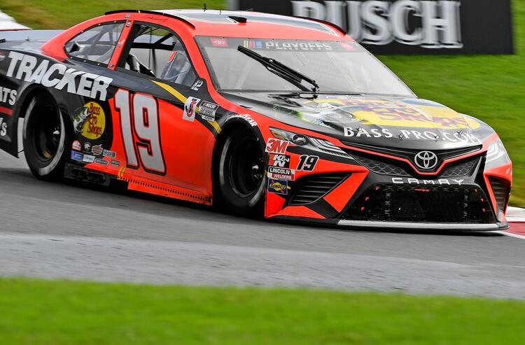 How To Bet - NASCAR Xfinity 500 Odds: Truex Jr. Leads