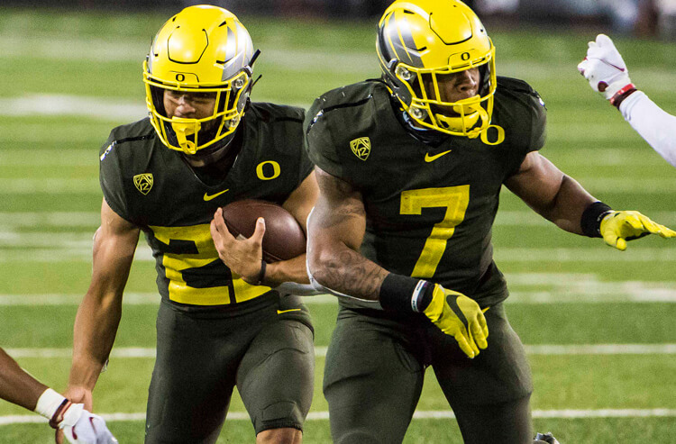 UCLA vs Oregon picks and predictions for November 21